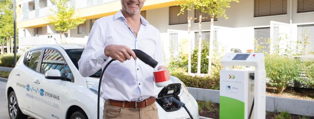 Nissan Leaf versorgt Kaffeemaschine mit Strom 1