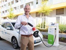 Nissan Leaf versorgt Kaffeemaschine mit Strom 2